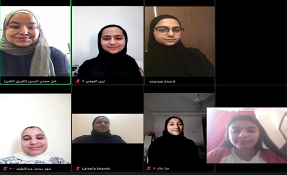"Girls Club in ""Al-eslah""  concludes his summer activity by ""saying and doing"" remotely"